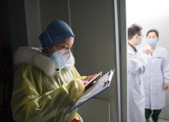 νοσοκόμα και κορονοϊός