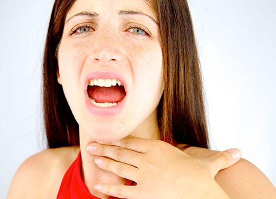 λαρυγγίτιδα και ψιθύρισμα